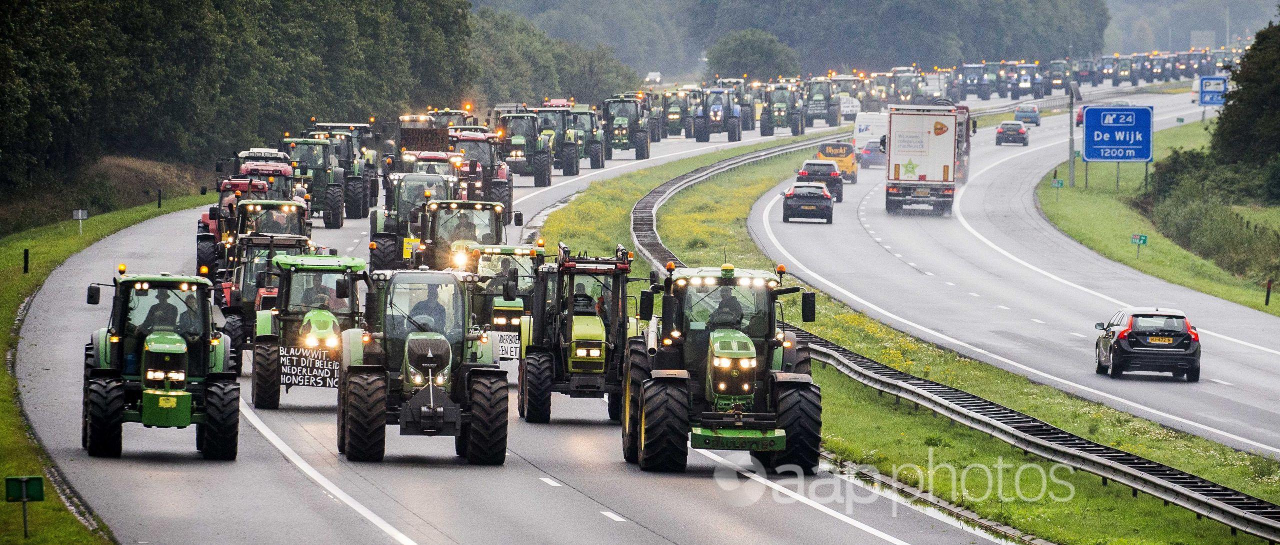 Farmers on their tractors between Hoogeveen and Meppel