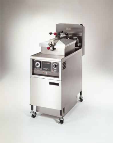 Henny Penny PFG600/1000 4 Head Gas Pressure Fryer With 1000 Computron Controls