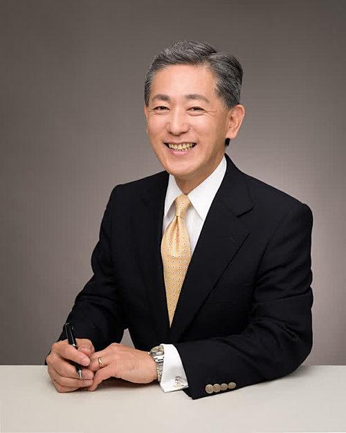 Consul-General Kazuyoshi Matsunaga