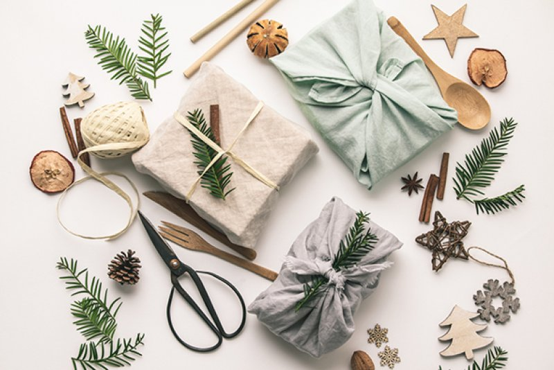 Recycled Organic Gift Wrapping web