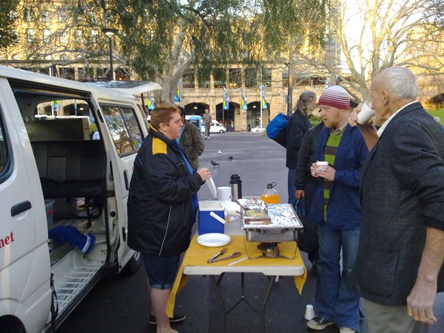 The Jesus Cares Ministry providing breakfast in Belmore Park, August 2011