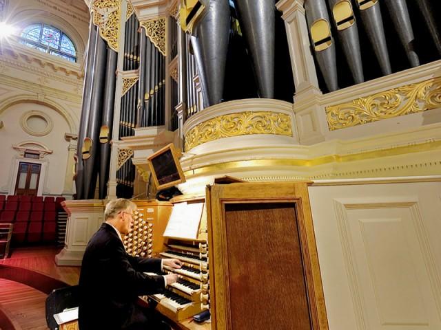 City Organist, Robert Ampt