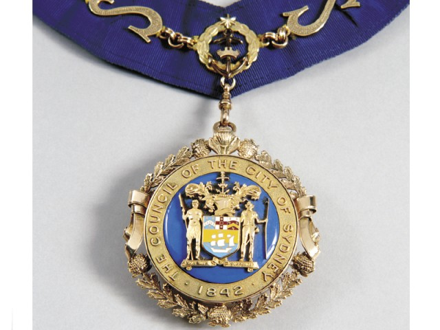 Lord Mayor's dress collar