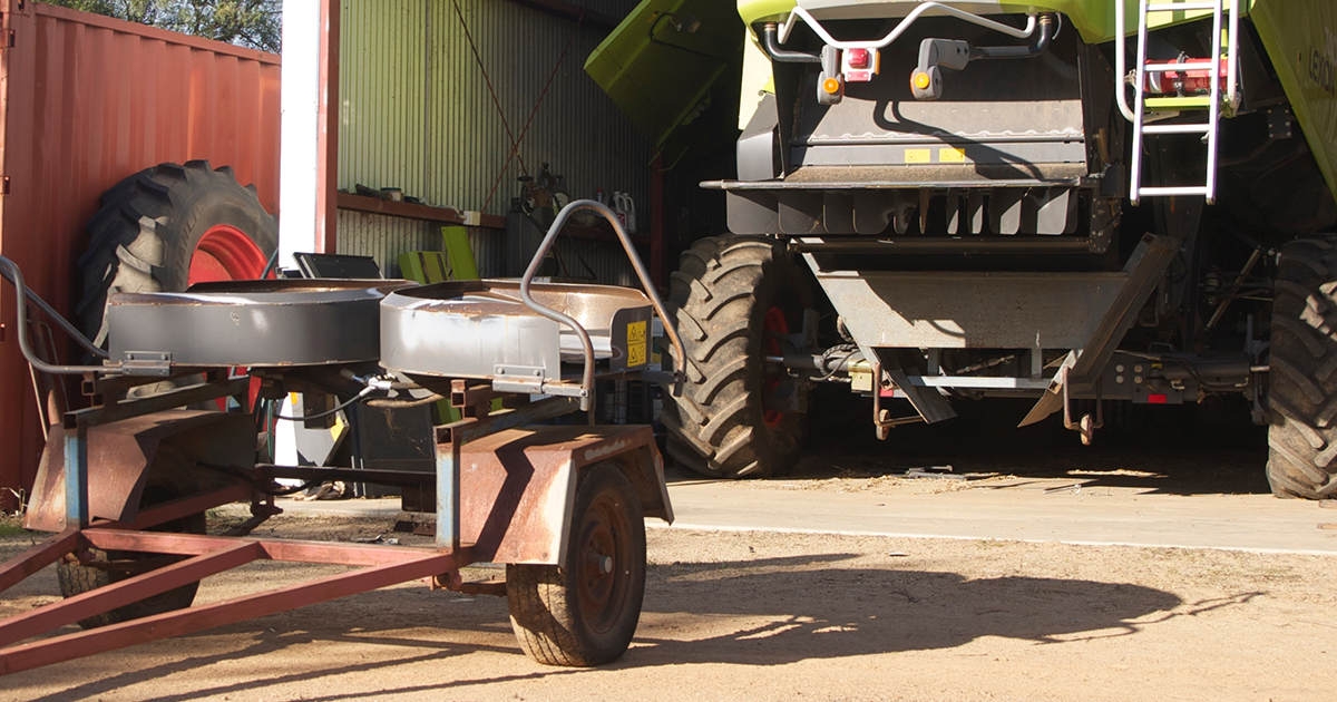 Simple innovations such as trolley wheels on the narrow windrowing chute and a customised trailer for the spinners off the harvester makes it easier to swap and go between crops at harvest.