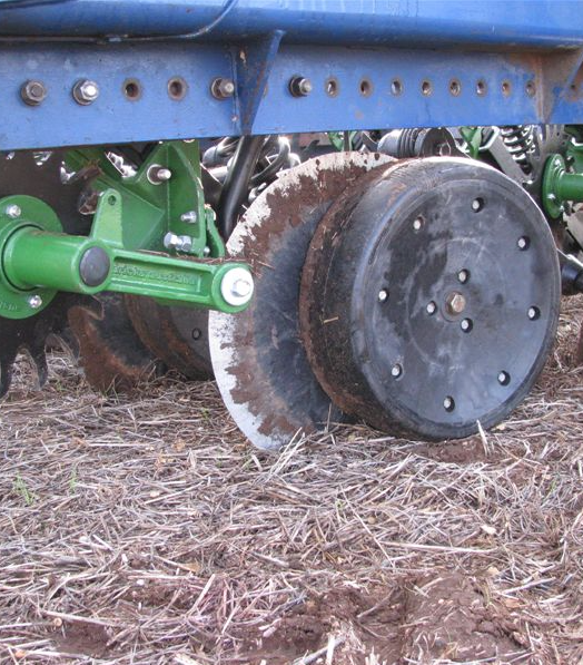Disc seeding systems and pre-emergent herbicides
