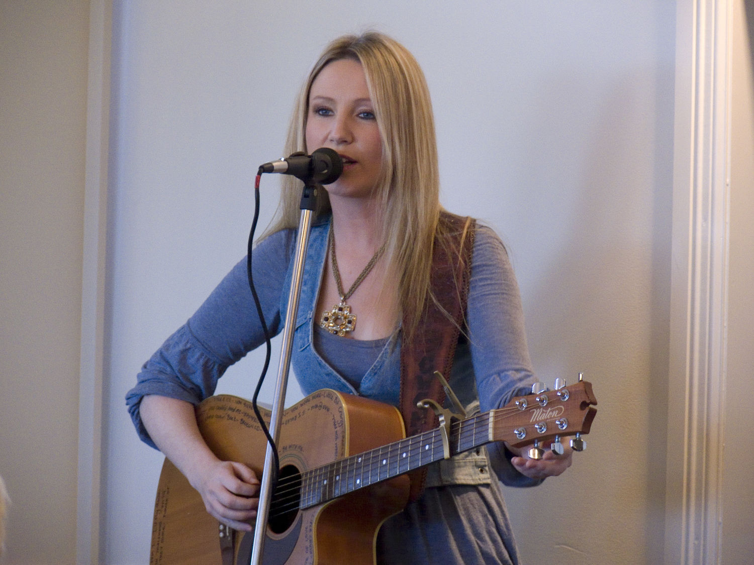 Country singer, Dianna Cocoran