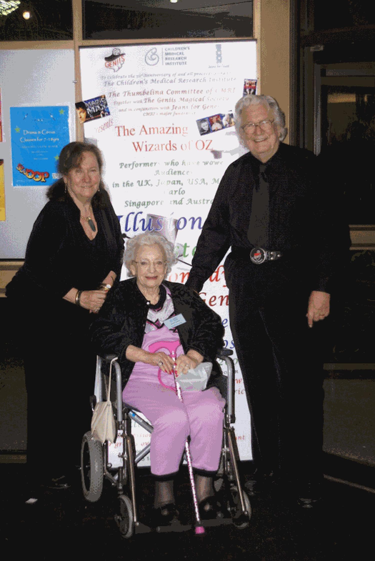 Thumbelina Committee members with Naomi