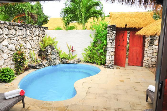 Crown Beach Resort Spa Travlr Fiji Pacific Islands