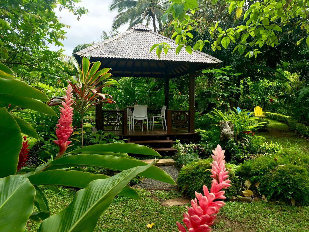 Maire Nui Gardens and Cafe
