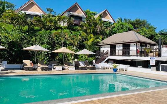 Relax In Your Own Personal Paradise at The Crow's Nest Resort