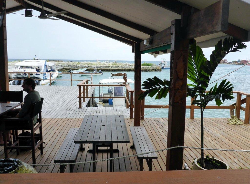 Breakwater Cafe