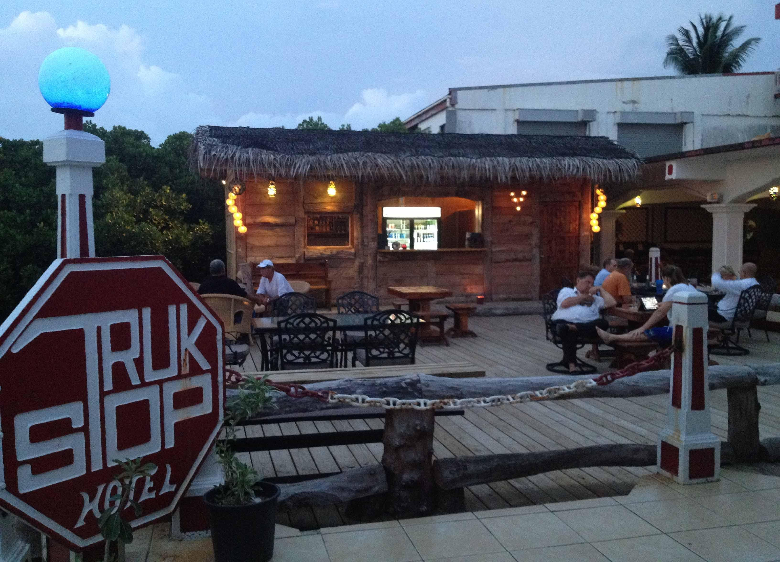 Truk Stop Hotel and Restaurant