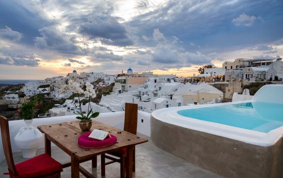 Adronis-Luxury-Suites-Santorini-Greece-Luxury-Private-Pool