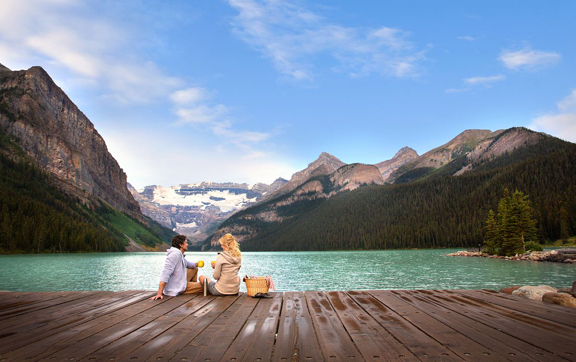 Fairmont-Chateu-Lake-Louise-Canada-Lagoon-Pinic-View