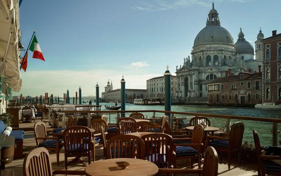 Gritti-Palace-Venice-Italy-Bar-Lhongi-View