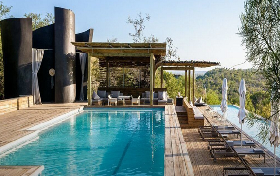 World's-Best-Safari-Lodges-Lebombo-Lodge-Pool-and-View