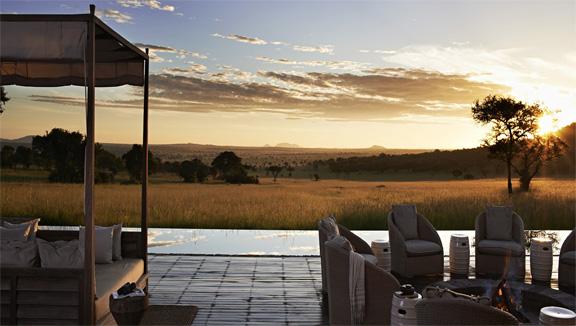 World's-Best-Safari-Lodges-Sinigta-Serengeti-House-Bonfire-and-Sunset