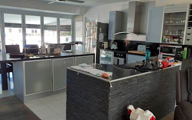 House share Broadbeach Waters, Gold Coast and SE Queensland $250pw, 2 bedroom house