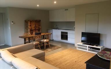 House share Auchenflower, Brisbane $325pw, 2 bedroom house