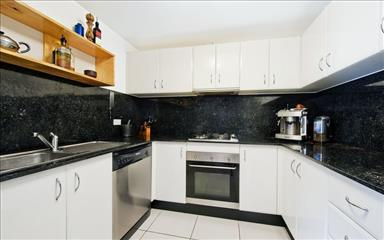 House share Alexandria, Sydney $325pw, 3 bedroom apartment