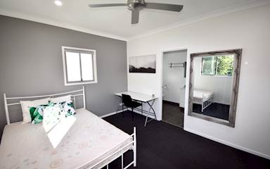 House share Annerley, Brisbane $195pw, 4+ bedroom house