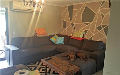 House share Arundel, Gold Coast and SE Queensland $165pw, 3 bedroom house