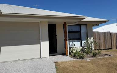 House share Brassall, Gold Coast and SE Queensland $135pw, 3 bedroom house