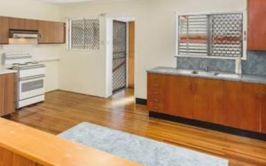 House share Aitkenvale, Qld - Coastal $95pw, 3 bedroom house