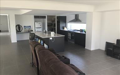 House share Helensvale, Gold Coast and SE Queensland $200pw, 2 bedroom house