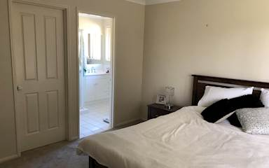 House share Burleigh Heads, Gold Coast and SE Queensland $250pw, 2 bedroom house