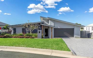 House share Carrara, Gold Coast and SE Queensland $225pw, 2 bedroom house