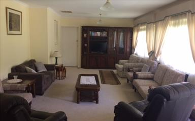 House share Beaumont, Adelaide $155pw, 4+ bedroom house