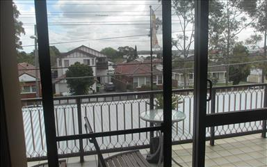 House share Abbotsford, Sydney $210pw, 3 bedroom apartment