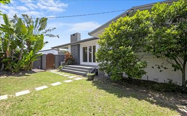House share Broadbeach Waters, Gold Coast and SE Queensland $240pw, 3 bedroom house