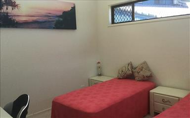 House share Broadbeach Waters, Gold Coast and SE Queensland $206pw, 2 bedroom house