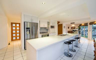 House share Broadbeach Waters, Gold Coast and SE Queensland $350pw, 2 bedroom house