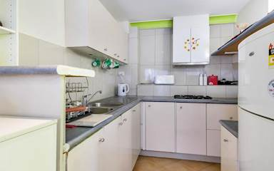 House share Ashmore, Gold Coast and SE Queensland $205pw, 1 bedder/studio house