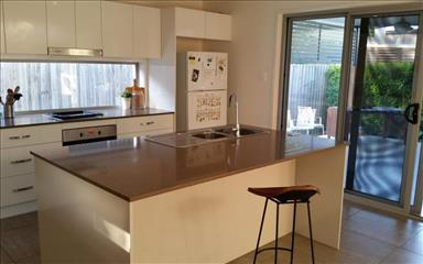 House share Burleigh Heads, Gold Coast and SE Queensland $215pw, 3 bedroom house