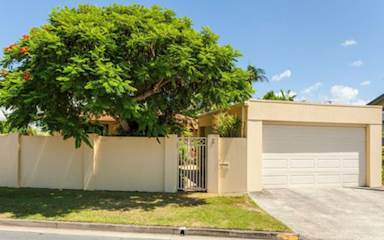 House share Broadbeach Waters, Gold Coast and SE Queensland $225pw, 4+ bedroom house