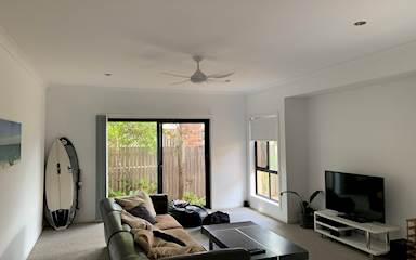 House share Burleigh Heads, Gold Coast and SE Queensland $220pw, 3 bedroom house