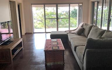 House share Burleigh Heads, Gold Coast and SE Queensland $300pw, 2 bedroom house