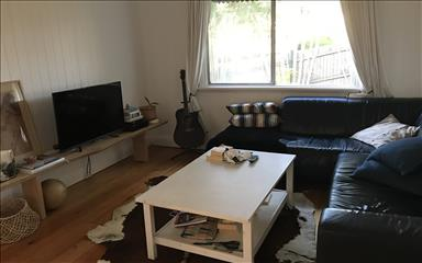 House share Bardon, Brisbane $225pw, 3 bedroom house