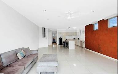 House share Burleigh Heads, Gold Coast and SE Queensland $250pw, 3 bedroom apartment