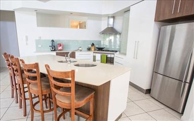 House share Bundall, Gold Coast and SE Queensland $215pw, 3 bedroom house