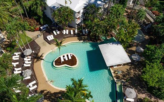 Treat Yourself to a Relaxing Escape at the Beach-side Oaks Resort Port Douglas