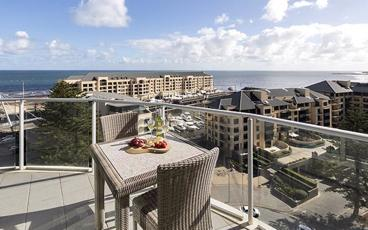 Stay in a Holiday Apartment at the Family-Friendly Oaks Glenelg Liberty Suites