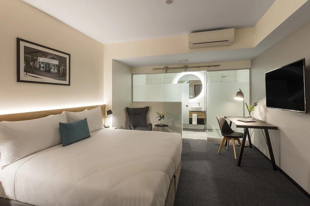 Stay in the Heart of Wellington's Entertainment Precinct at Oaks Wellington Hotel