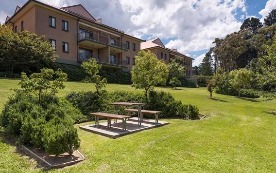 Treat Yourself to 2 or 3 Nights in the Blue Mountains at Leisure Inn Spires