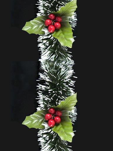 White Tip Pine Needle Garland With Holly - 2.7m