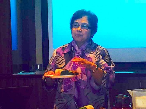 Mildred Villason, cooking demonstration